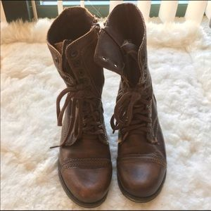 Steve Madden Troopa Boots in Brown Leather